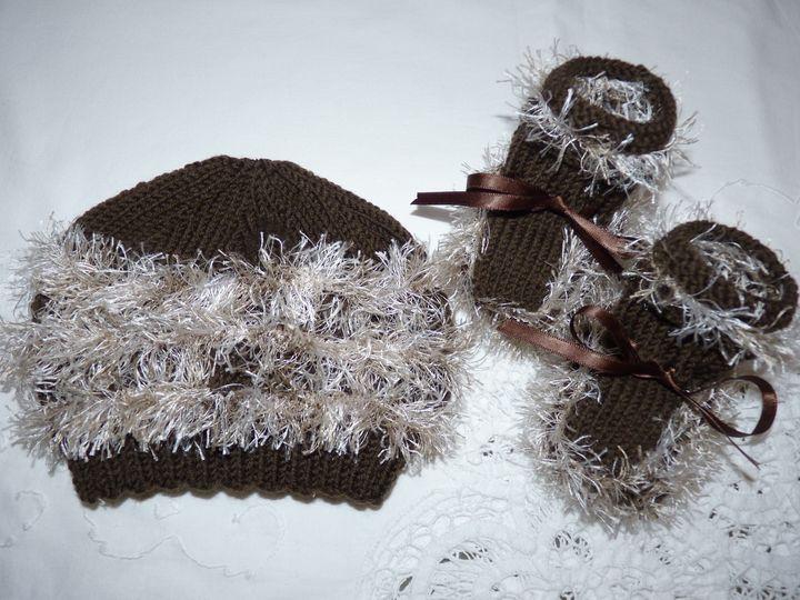 Bonnet et chaussons marron, ref 0493, naissance, disponibles