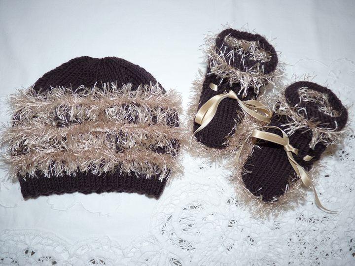 Bonnet et chaussons marron, ref 0494, 1er âge, disponibles