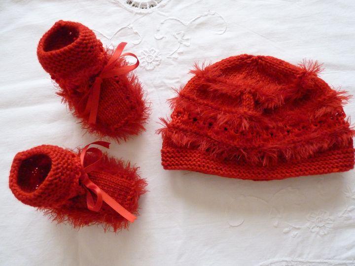 bonnet et chaussons rouge, ref 0462, naissance, disponible