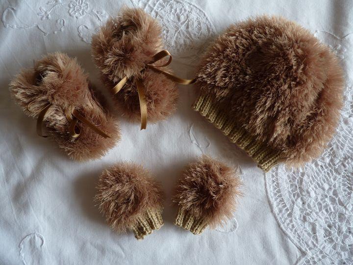 bonnet ,moon boots et moufles beige, ref 0612, naissance, disponibles