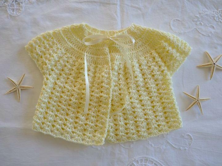 paletot manches courtes au crochet, ref 571, maissance, disponible.JPG