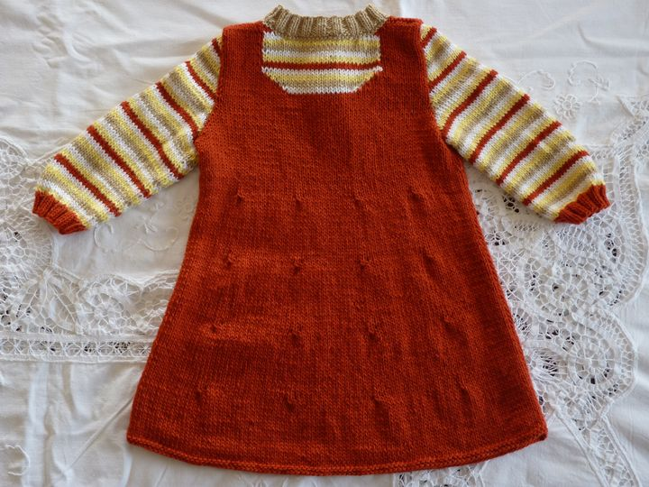 Robe manches longues rouille, ref 0585, 1 an, disponible.JPG
